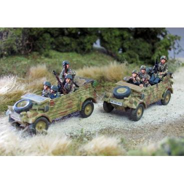 Fallschirmjager kubelwagen crew
