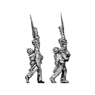 Grenadier, lozenge plate, shako cords and plume, march attack