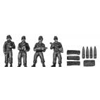 Hummel 150mm crew