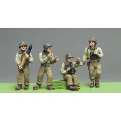 American M10 crew