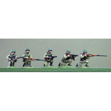 Soviets in helmets, kneeling