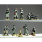 Greatcoat officers, HMG and 8cm mortar