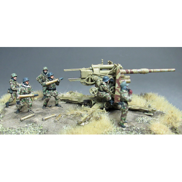 8.8cm Flak 36 crew, winter